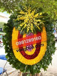 vòng hoa to đại truyền thống